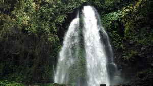 Ide Libur Waisak: Air Terjun Jumog dari Karanganyar