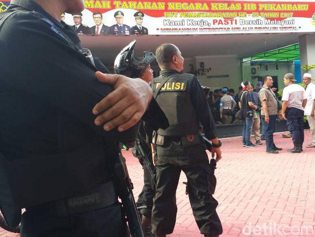 Satuan Tempur TNI Disiagakan Bantu Cari Tahanan Kabur di Pekanbaru