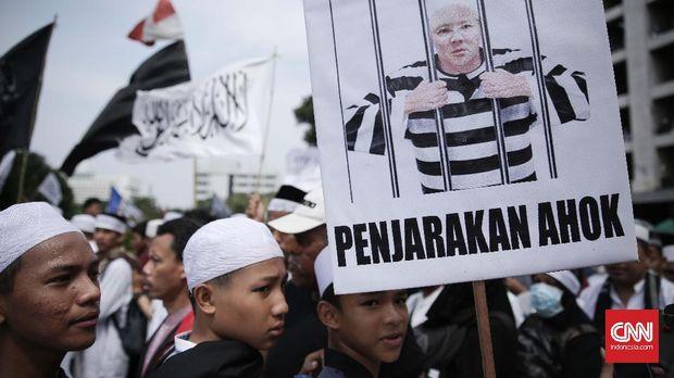 Aksi GNPF MUI menentang Ahok, Jakarta, 2017.