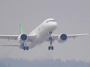 Penerbangan Perdana Pesawat C919 <i>Made In</i> China