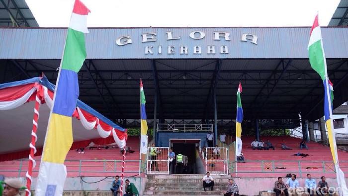 Tampak depan Stadion Stadion Kie Raha (Foto: Lucas Aditya/detikSport)