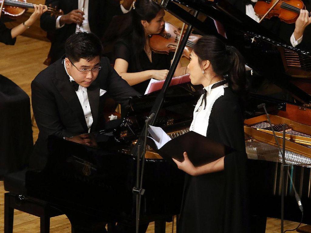 Konser Musik Klasik Isyana dan Jonathan Kuo