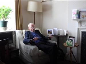 Rahasia Lansia 105 Tahun yang Masih Aktif Bekerja
