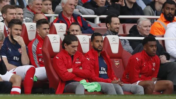 Camilan yang Mencuri Perhatian di <I>Bench</I> Arsenal
