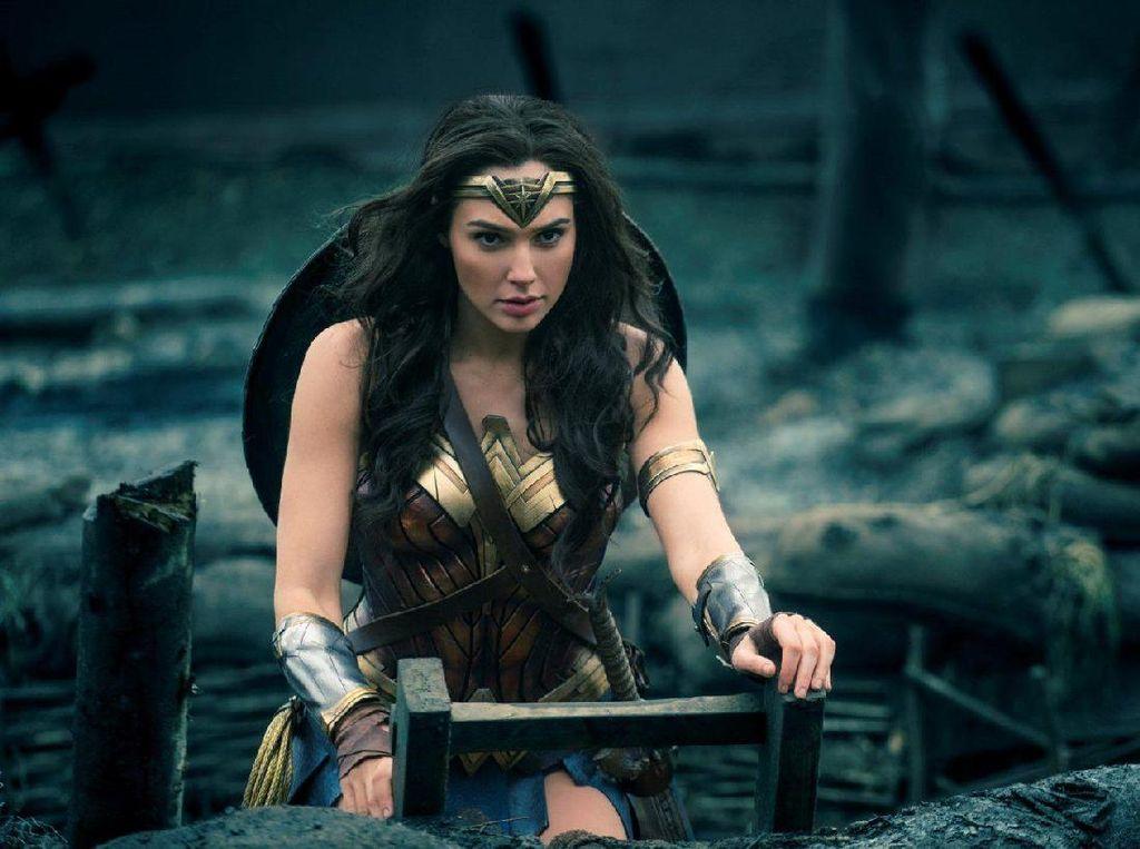 Kuat dan Berdarah Dewa, Wonder Woman Tak Lagi Butuh Pedang