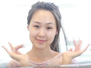 Foto: Wajah Cantik Beauty Vlogger Asia Menerapkan 10 Langkah Perawatan Kulit