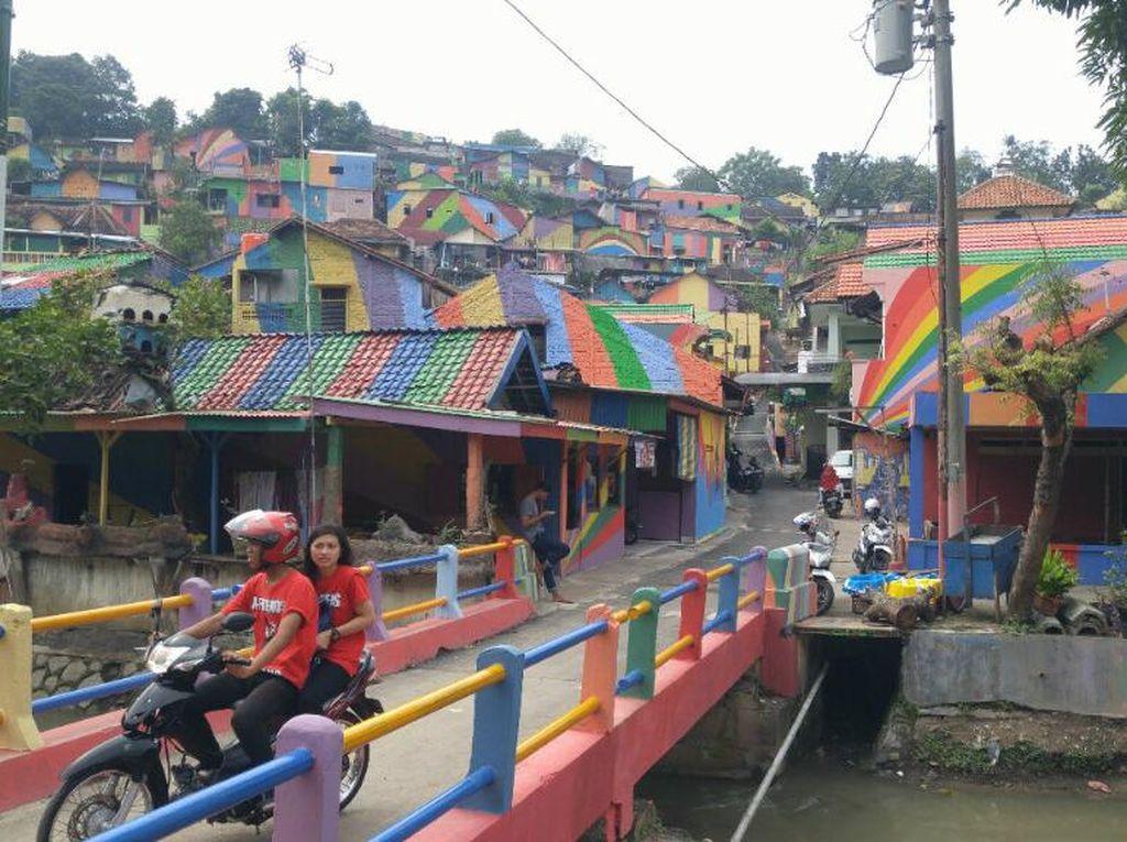 Destinasi Wisata Baru di Semarang, Kampung Pelangi