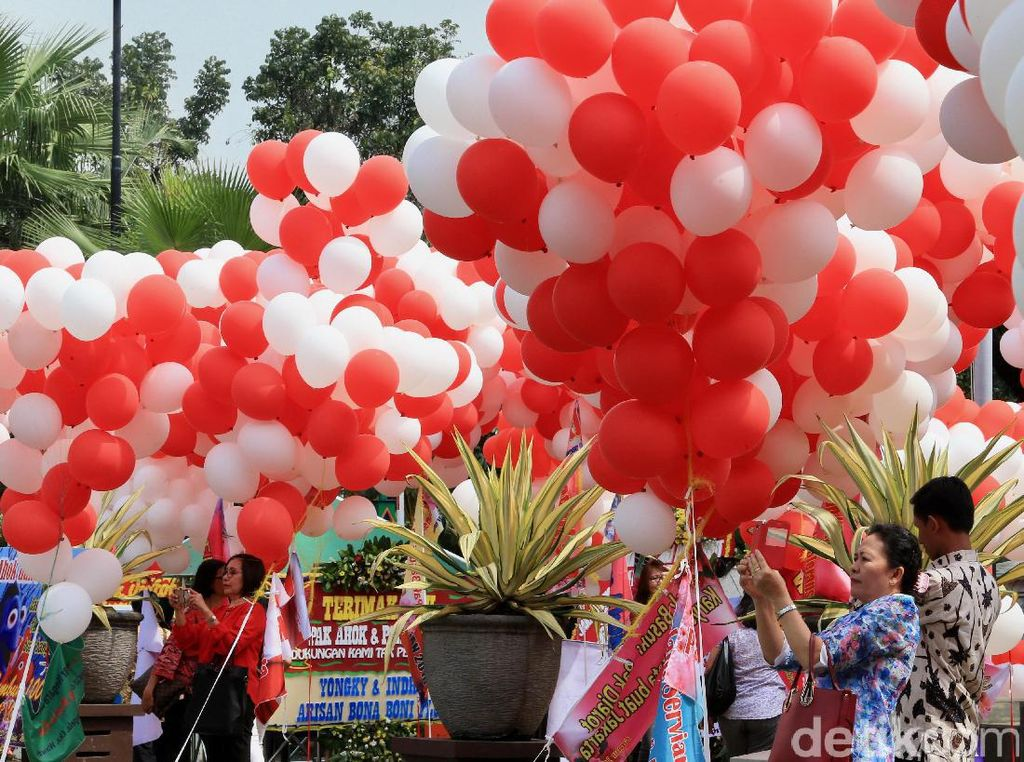 Histori dan Makna di Balik Balon: Dipegang untuk Dilepas Pergi