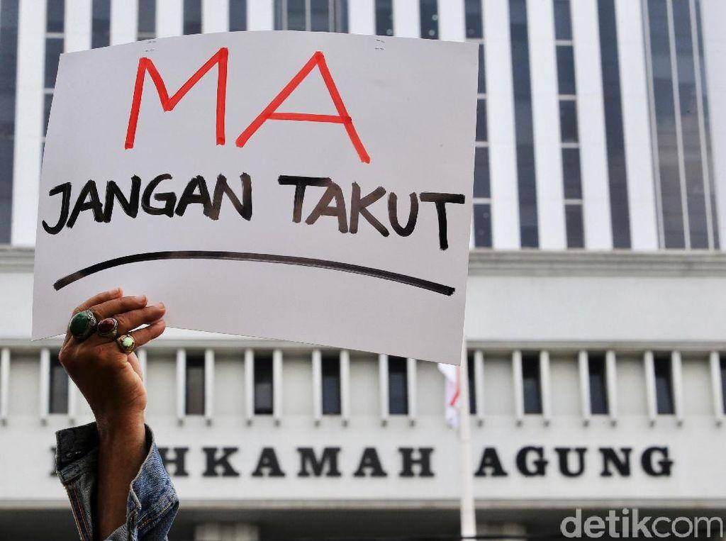 MA Pecat Hakim yang Korupsi Rp 15 Juta