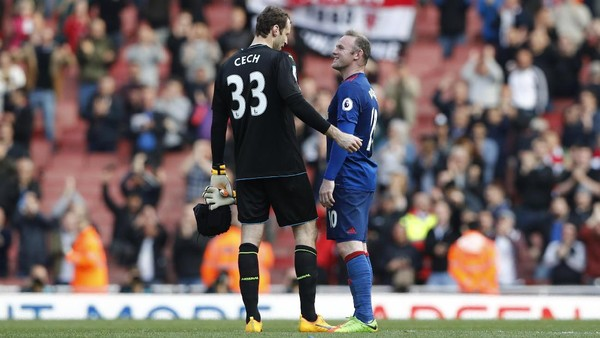 Phil Neville Kritik Duel Arsenal vs MU yang Kurang Panas