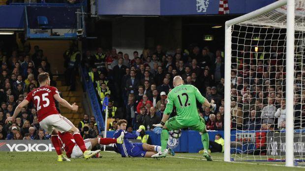 Degradasikan Middlesbrough, Chelsea di Ambang Juara