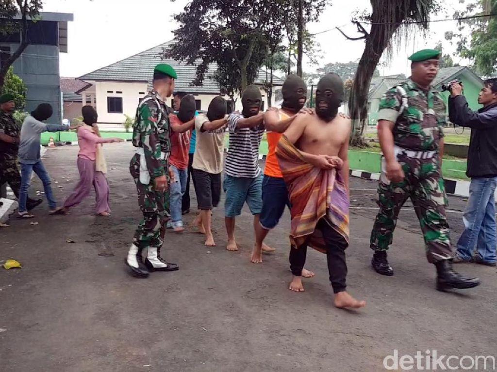 TNI Bekuk Komplotan Penipu Undian Berhadiah di Sukabumi