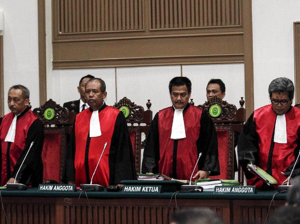 2 Penghukum Ahok Melenggang ke DPR Ikuti Fit And Proper Test Calon Hakim Agung