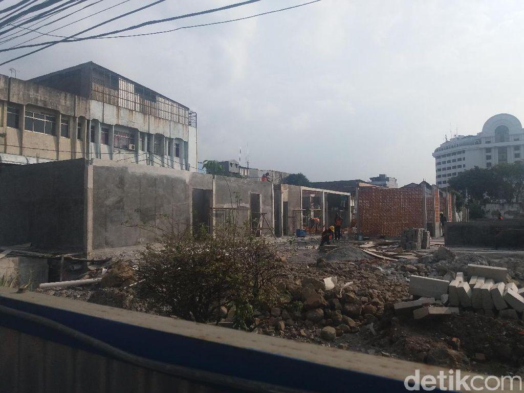 Ada Bunker Sampah 10 Ton, Pembangunan Lokasi PKL Kota Tua Molor