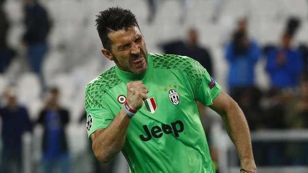 Buffon Berpeluang Patahkan Rekor Maldini