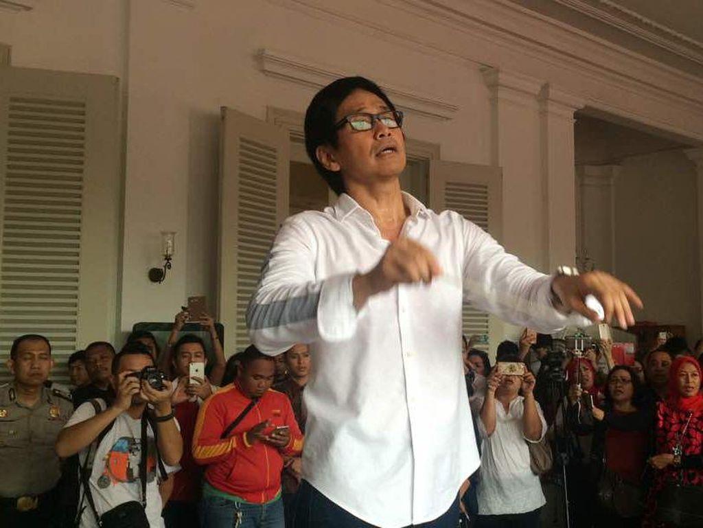 Ikut Kampanye Jokowi-Maruf, Addie MS Ogah Dibayar