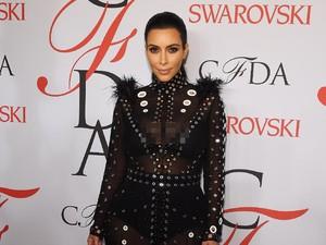 Kim Kardashian Ikut Jualan Fidget Spinner, Harganya Rp 200 Ribu
