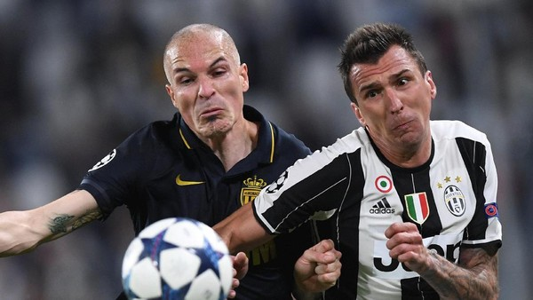 Juventus Manfaatkan Ketidaksempurnaan Skema Tiga Bek Monaco