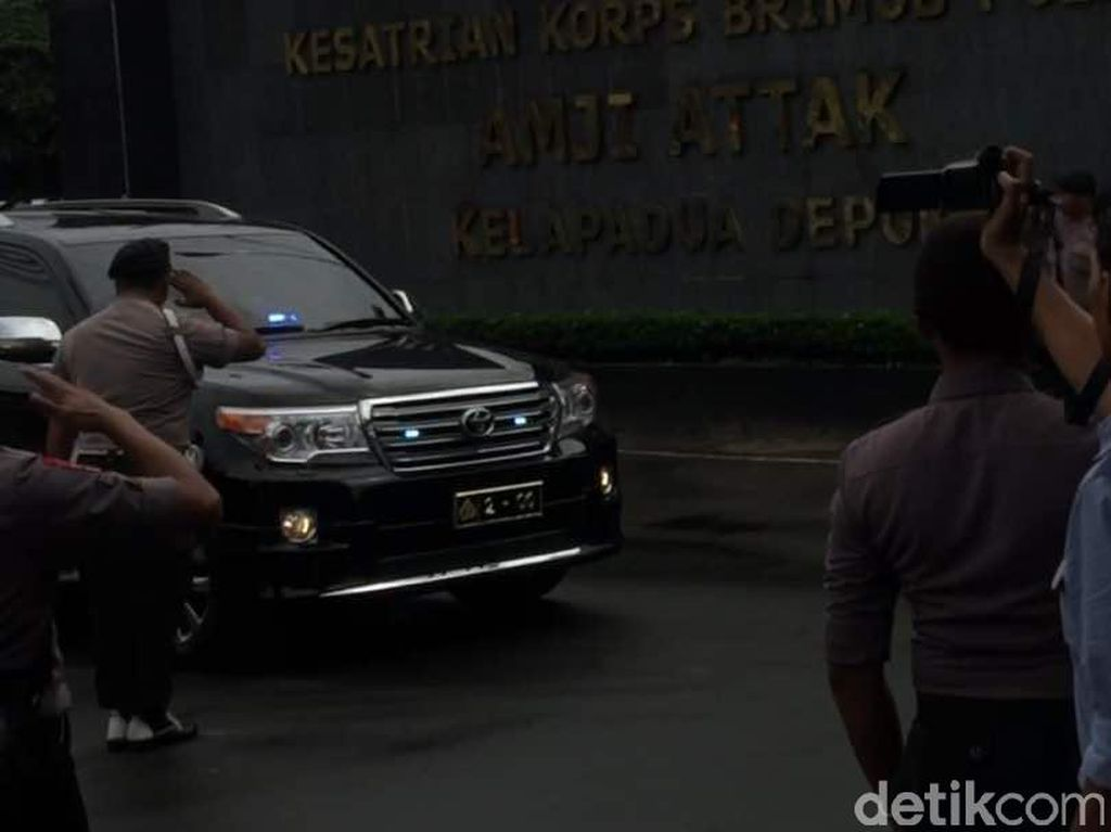 Mobil Wakapolri Merapat ke Mako Brimob