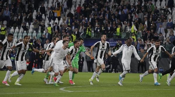 Juventus Tiga Laga Lagi ke <I>Treble</I>