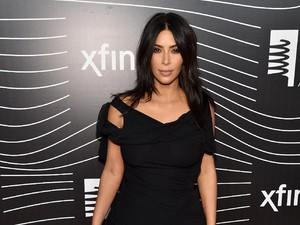 Ingin Anak Ketiga, Kim Kardashian Minta Khloe Jadi Ibu Pengganti