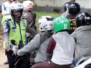 Viral Video Polantas Cuek, Ini Prosedur Polisi Tilang Pengendara