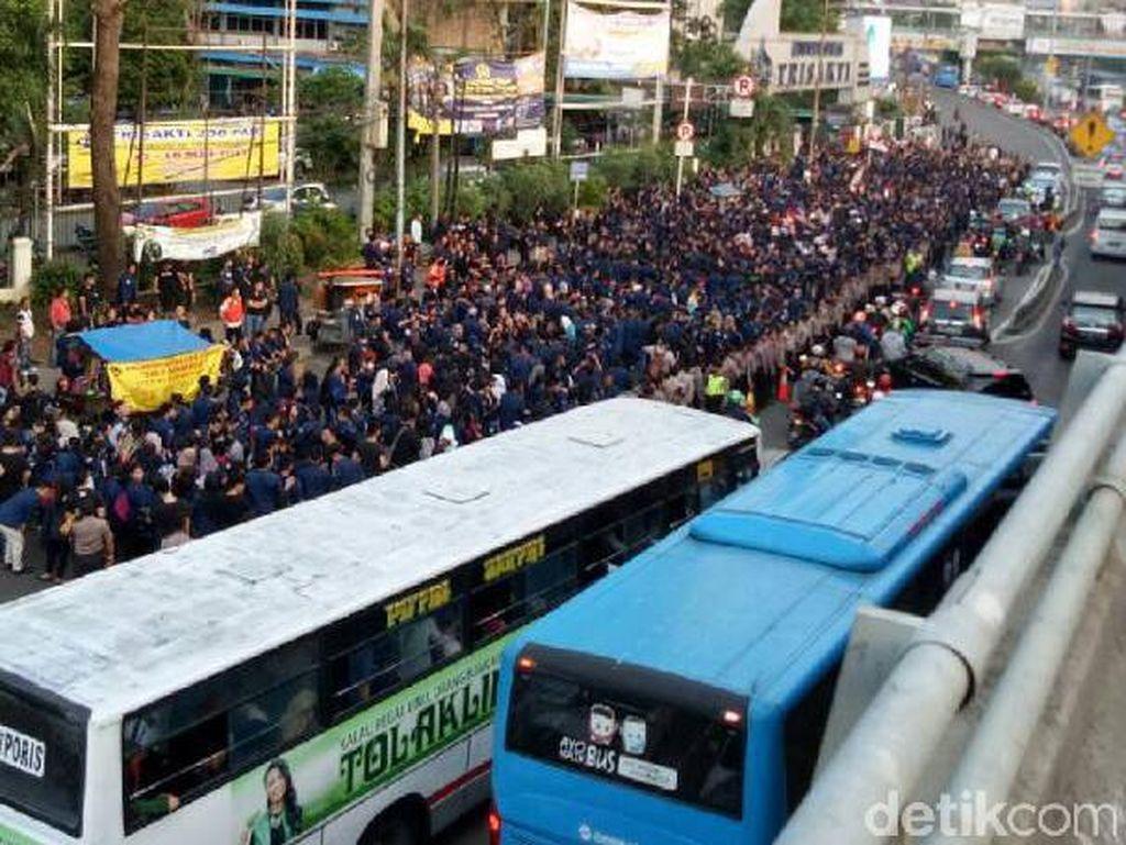 Peringati Tragedi 98, Mahasiswa Trisakti Long March