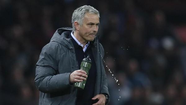 Mourinho Berbekal Rekor Sempurna Lawan Ajax