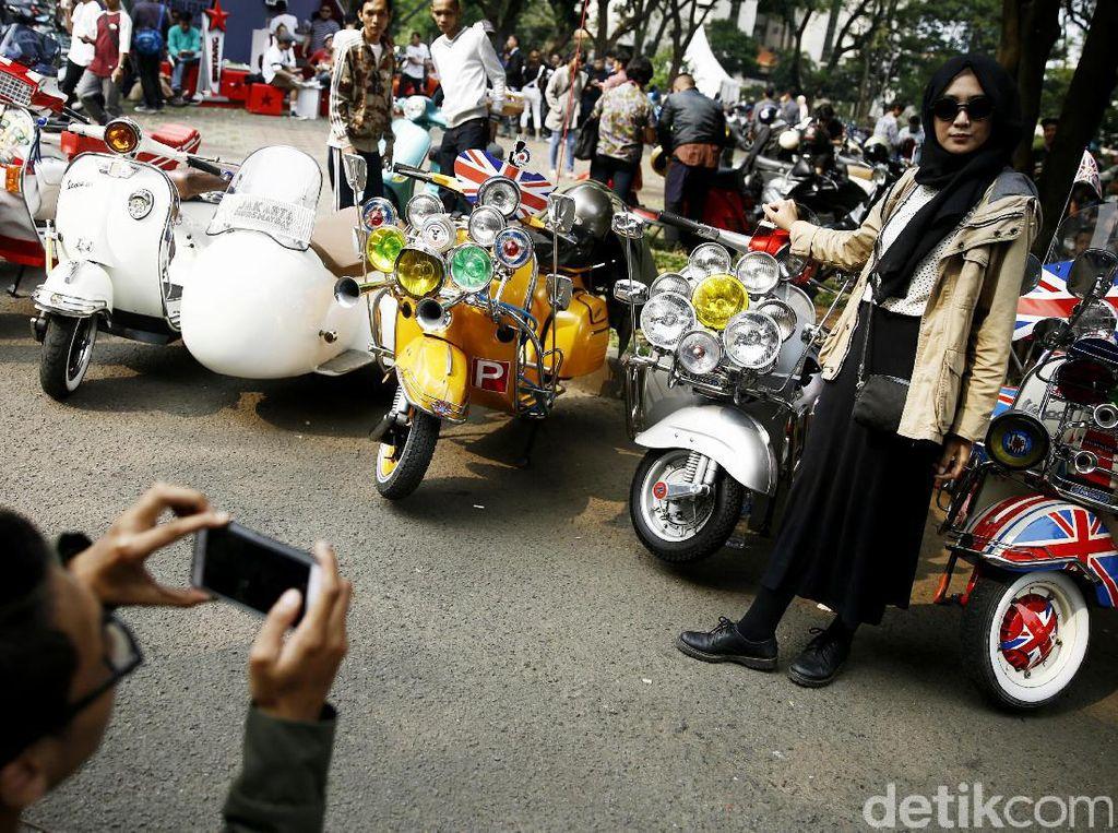 Intip Keseruan Pecinta Vespa di Jakarta Mods May Day
