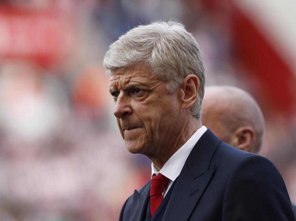 Henry Sebut Wenger Harus Menjawab Kontrak Baru dengan Gelar Premier League