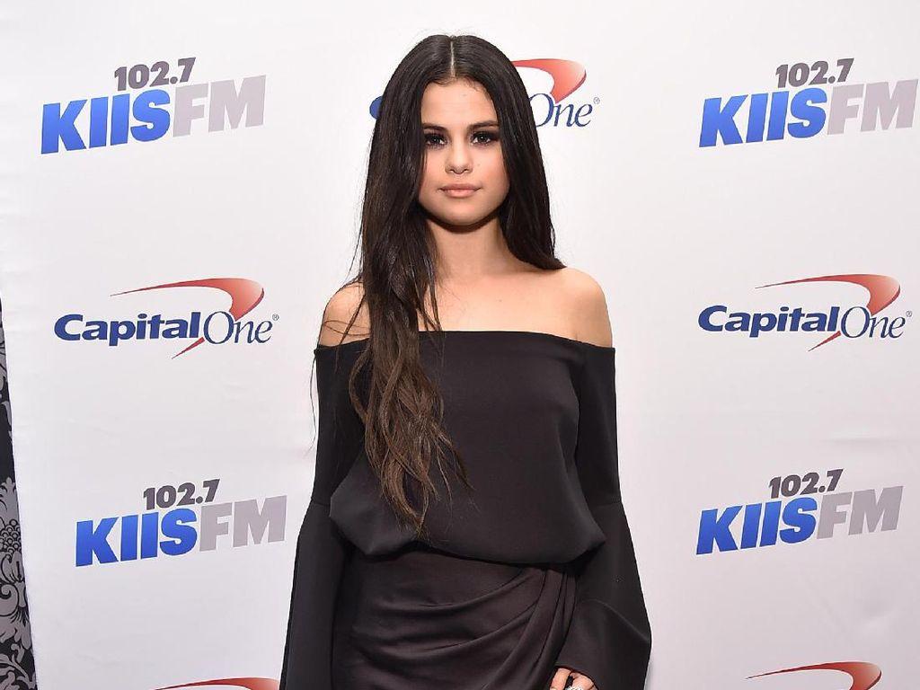 Kata Selena Gomez Soal Asmara Taylor Swift dan Joe Alwyn