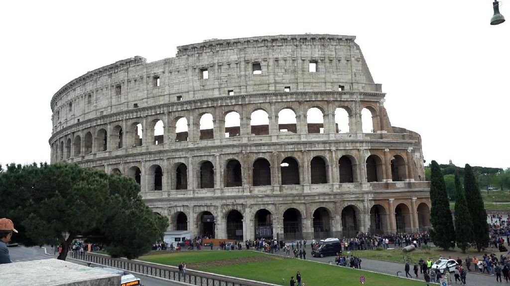 Hijaber Turin ini Ingin Populerkan Busana Muslim di Italia