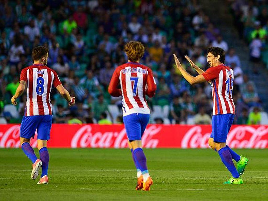 Atletico Madrid Pastikan Finis Tiga Besar