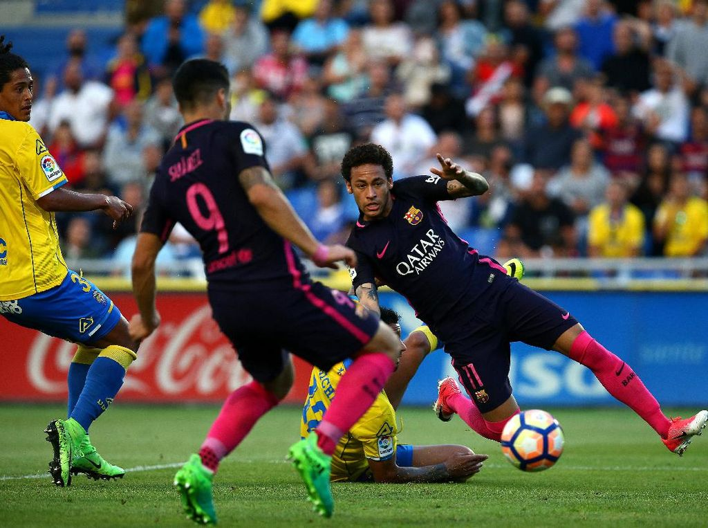 Neymar Hat-trick, Barca Hajar Las Palmas 4-1