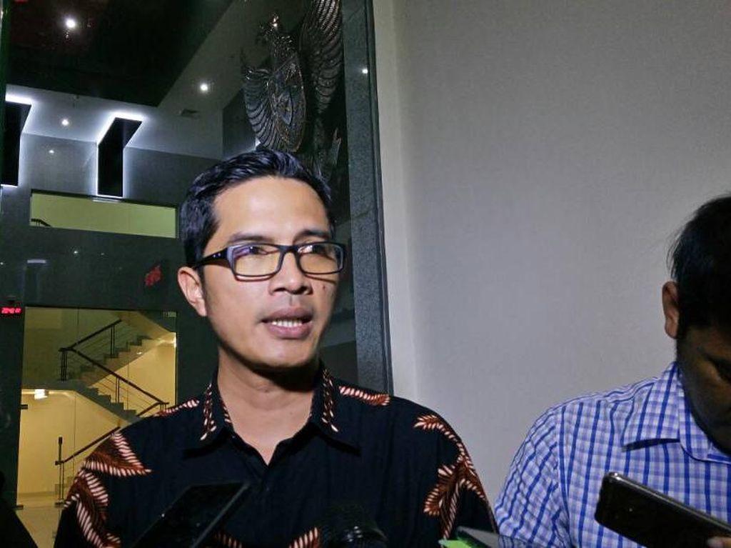 KPK akan Panggil Paksa Sekpri Wali Kota Batu Jika Kembali Mangkir