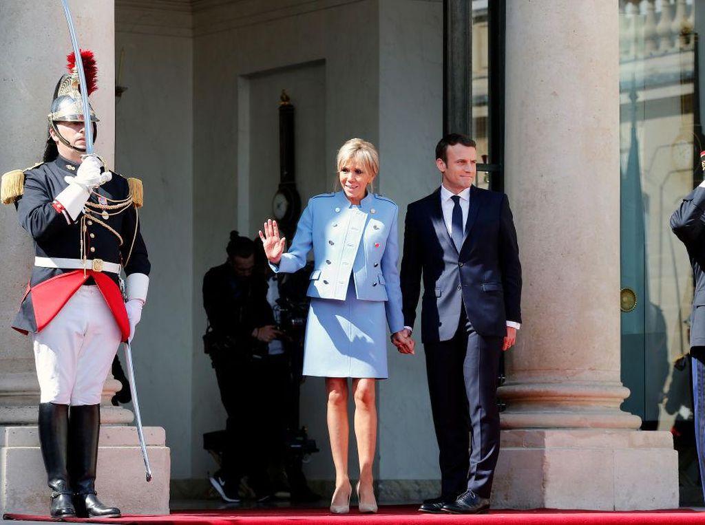 Beli Bunga Rp 10 M untuk Istana, Presiden Prancis dan Istri Dihujat Rakyat
