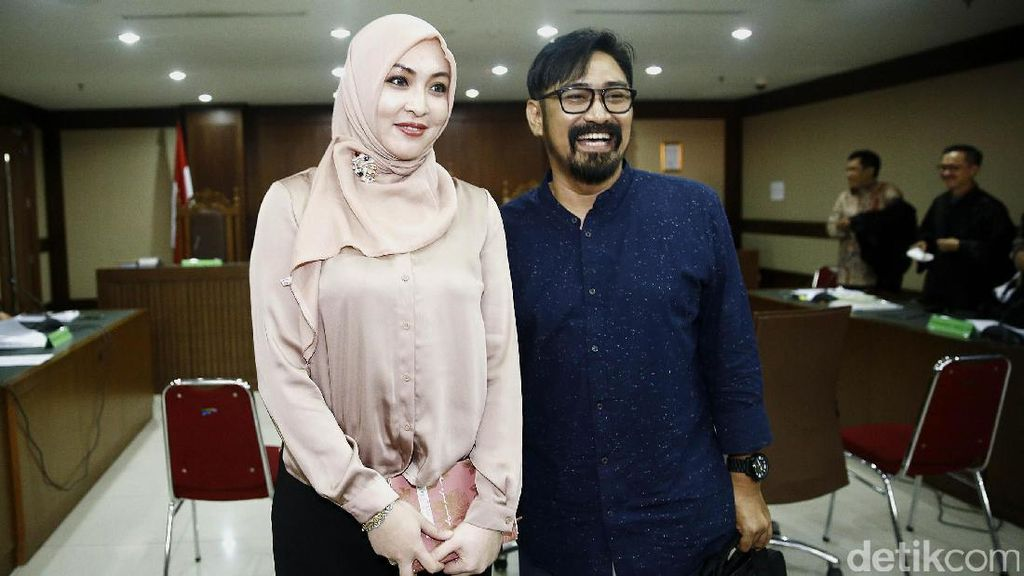 Angie Jadi Saksi Choel, Ban Lion Air Pecah Hingga Wannacry