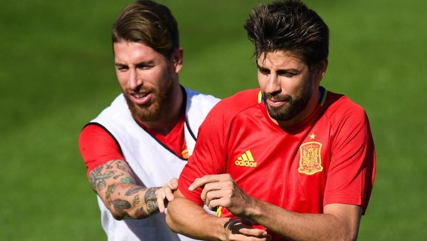 Tengilnya Ramos, Kirim Undangan <i>Nonton</i> Langsung Final Liga Champions ke Pique