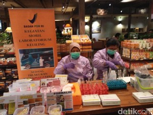 Polres Jaksel dan BPOM DKI Razia Makanan di Kem Chicks Kemang