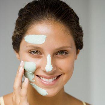 Perawatan Kecantikan yang Bisa Dilakukan di Rumah Selama Long Weekend