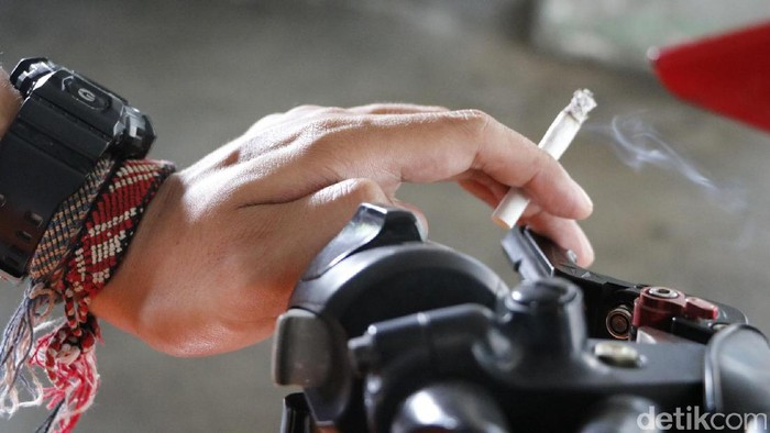 Rokok Motor