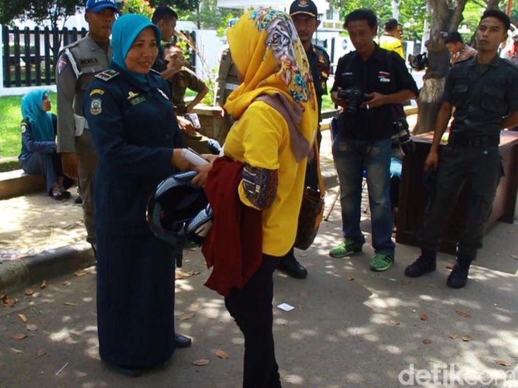 Polisi Syariat Imbau Karyawan di Aceh Pakai Busana Islami