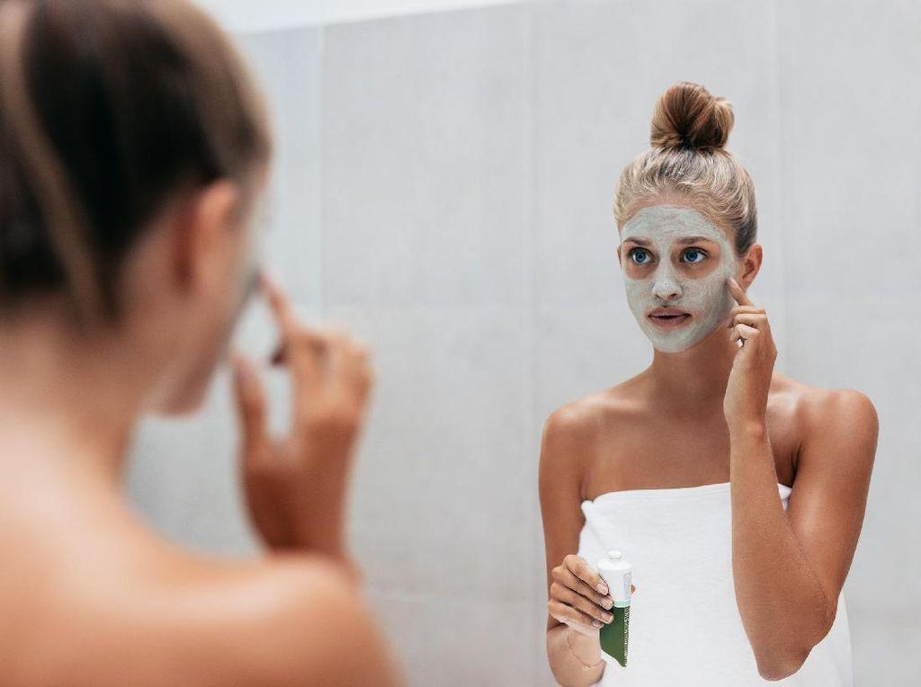 Efektifkah Merawat Kesehatan Wajah dengan Masker Buah?