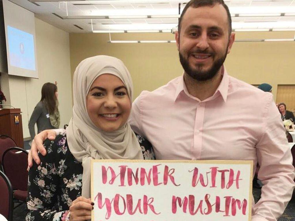 Cara Unik Hijabers AS Lawan Islamophobia: Undang Tetangga Makan di Rumah
