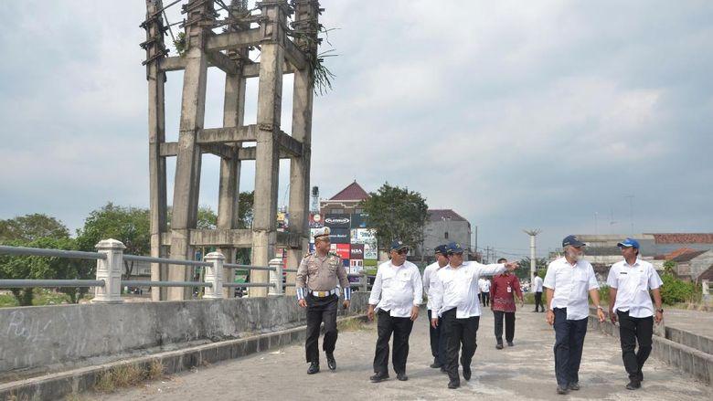 Jembatan Brawijaya di Kediri Mangkrak 4 Tahun
