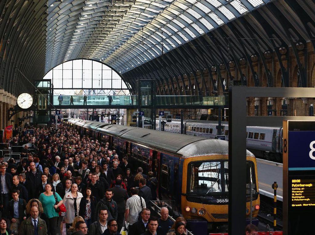 London akan Pantau Gerak-gerik Penumpang di Stasiun