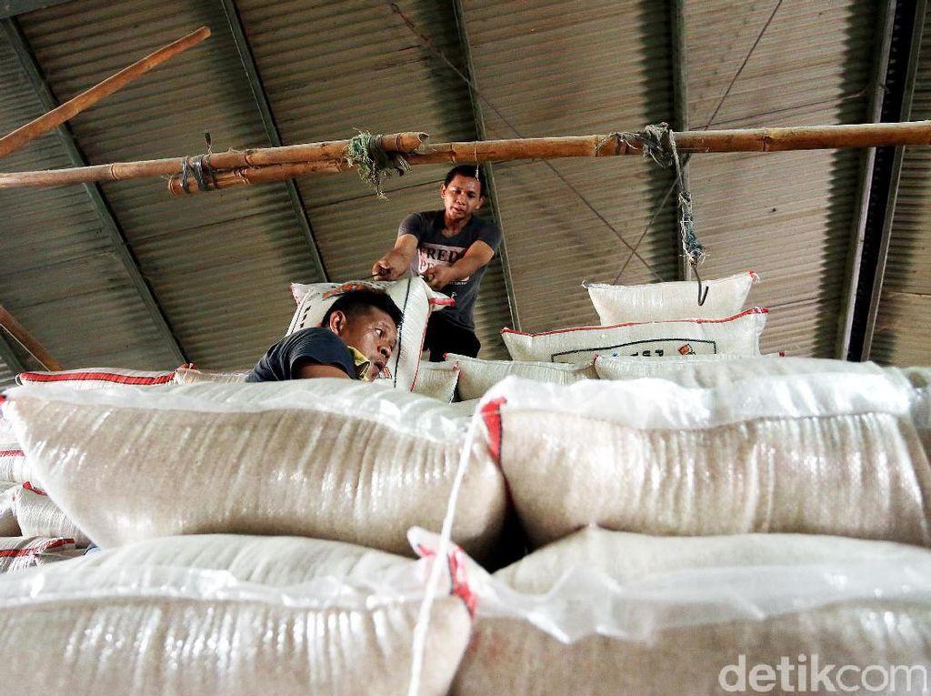 Harga Patokan Beras Berlaku di Pasar Becek Hingga Toko Modern