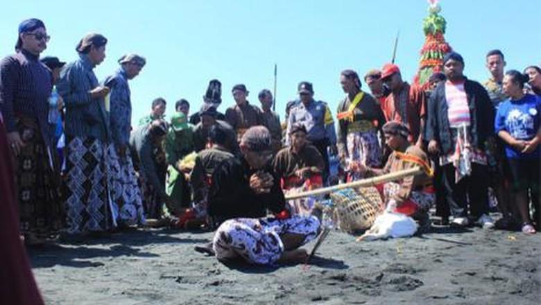 Yogyakarta Punya Atraksi Wisata Gres Di Pantai Pasir Kadilangu