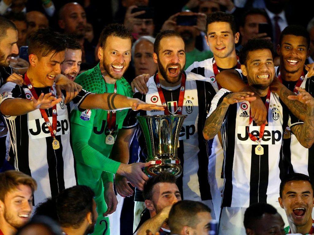 Juventus Berpesta Rayakan Titel Coppa Italia