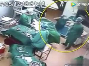 Viral, Video Dokter China Tonjok Perawat di Ruang Operasi